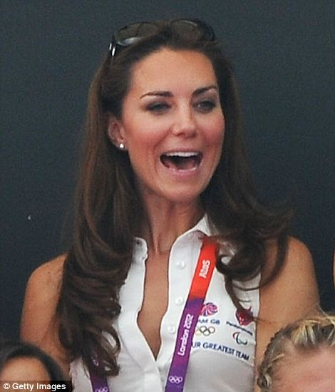 Kate Wore Her Givenchy Sungles Pearl Stud Earrings And Diamonds By The Yard Tiffany Bracelet