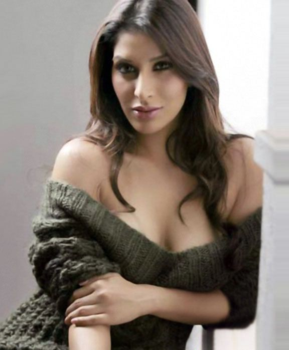 Sophie Choudry, Sophie, Sophie Choudry sexy, Sophie Choudry hot,indian hot actress, indian hot Bikini, indin hot girls, hot indin models, Sophie Choudry sexy unseen, sexy indin, indian sexy actress models, world hot actress,hot models,hot actress photos, world sexy actress, popular actress, actress bikini, nadu, red actress