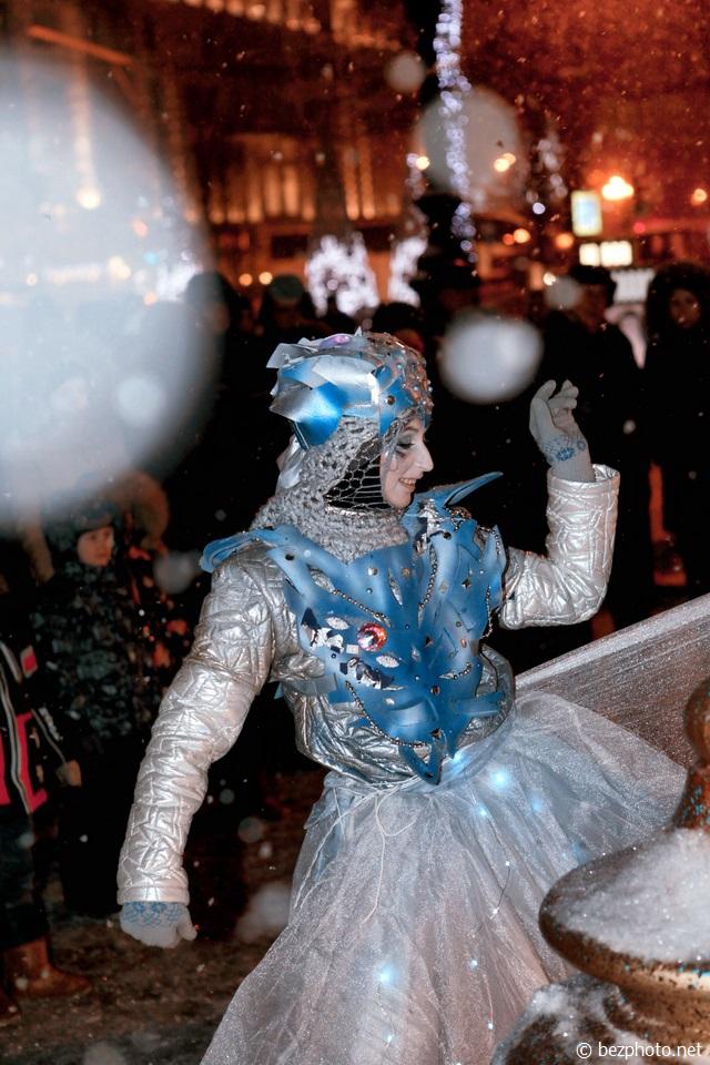 фестиваль зимние дни уличных театров