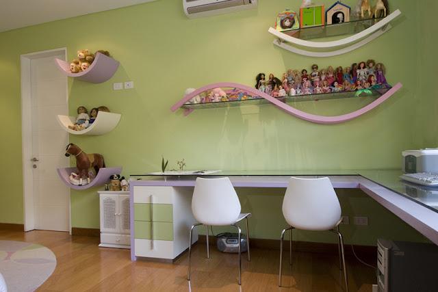Dormitorio de ni a en verde y lila de karim chaman for Habitacion lila y blanca