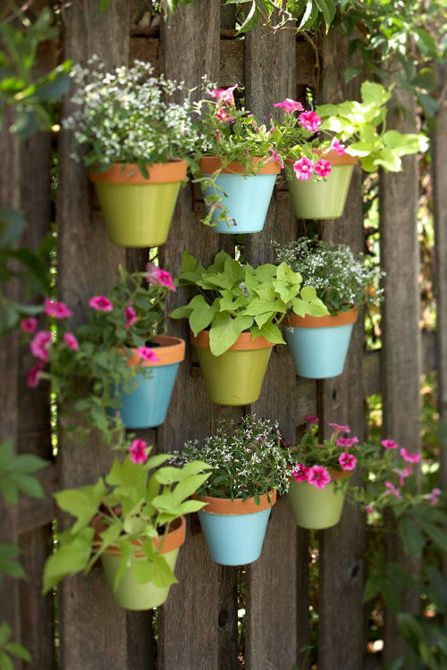 Fresh Garden News: Vertical Gardening: Fence Materials and Garden ...