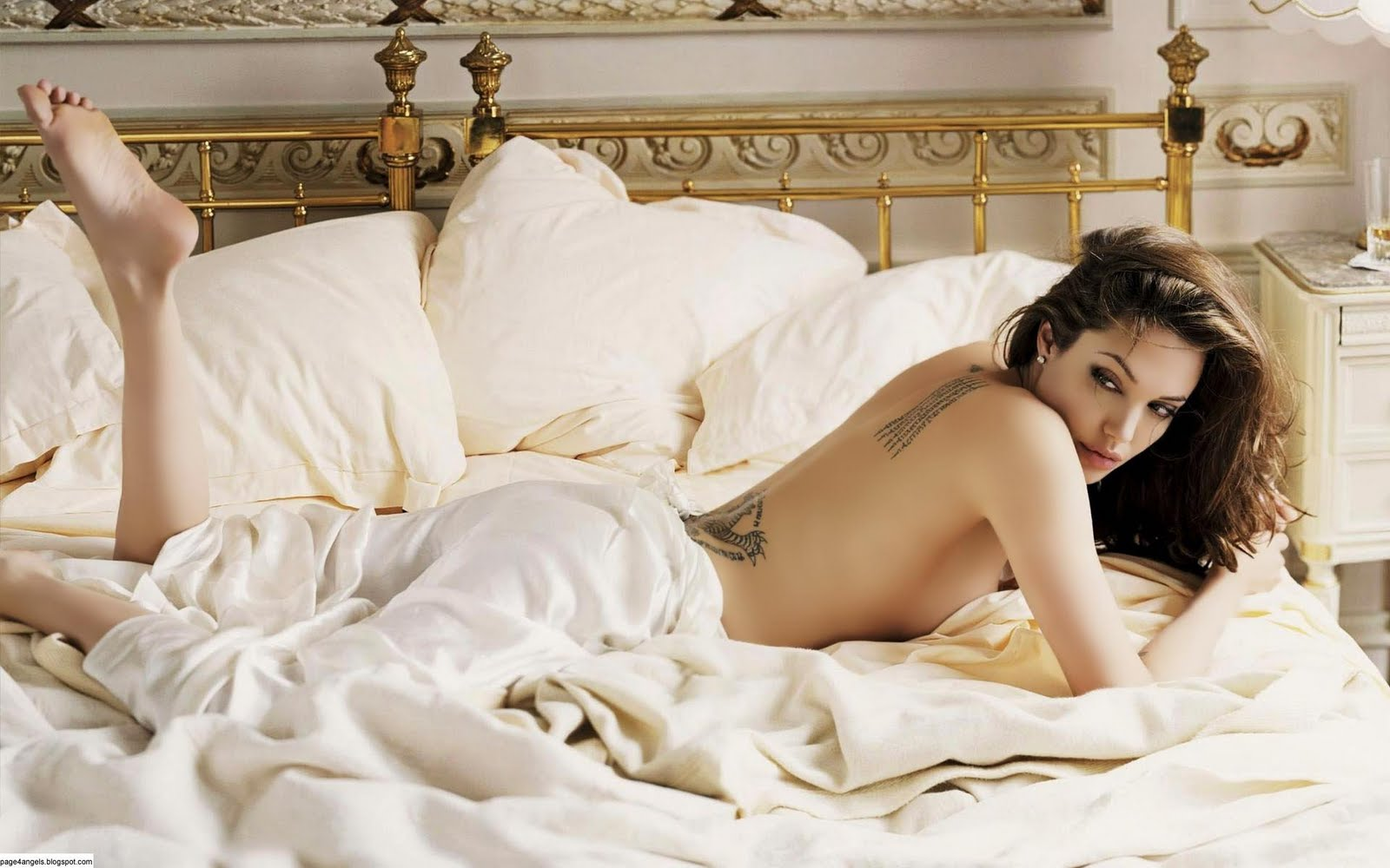 foto linda: angelina jolie hot wallpapers|hollywood celebrity