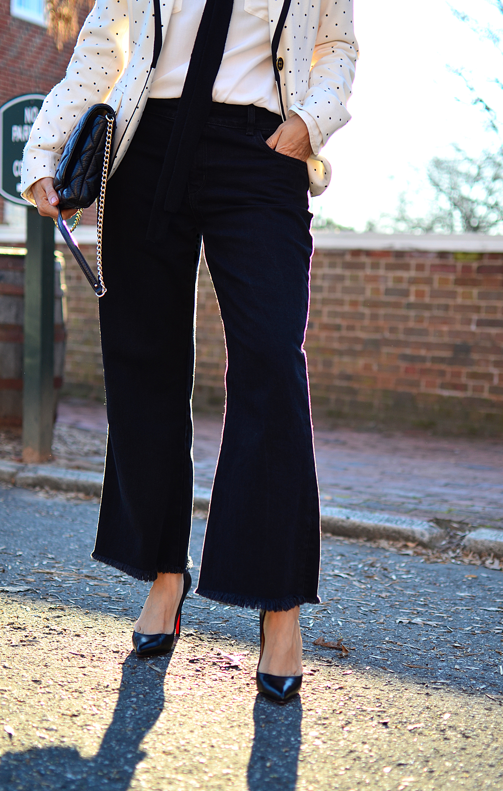 Cropped flare pants trend