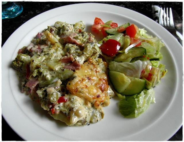 broccoligratäng med skinka lchf