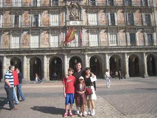 Obligatory family pic in Plaza Mayor