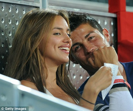 ronaldo cristiano girlfriend 2011. Cristiano Ronaldo Girlfriend