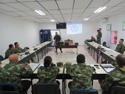 La Armada Nacional realiza el primer curso de observador militar de las Naciones Unidas.