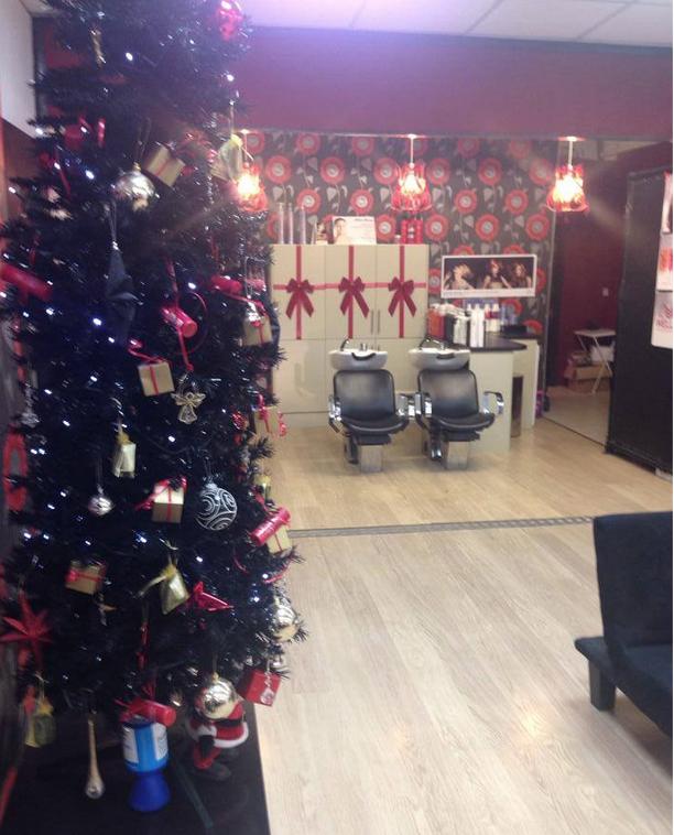 Decorating Ideas > Christmas @ NaturallyU Sittingbourne ~ 064703_Christmas Decoration Ideas Salon