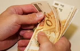 Abono Natalino começa a ser pago nos Correios; pagamento segue até dia 22