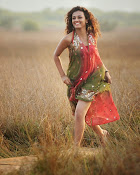 Seerath Kapoor latest glam pics-thumbnail-9
