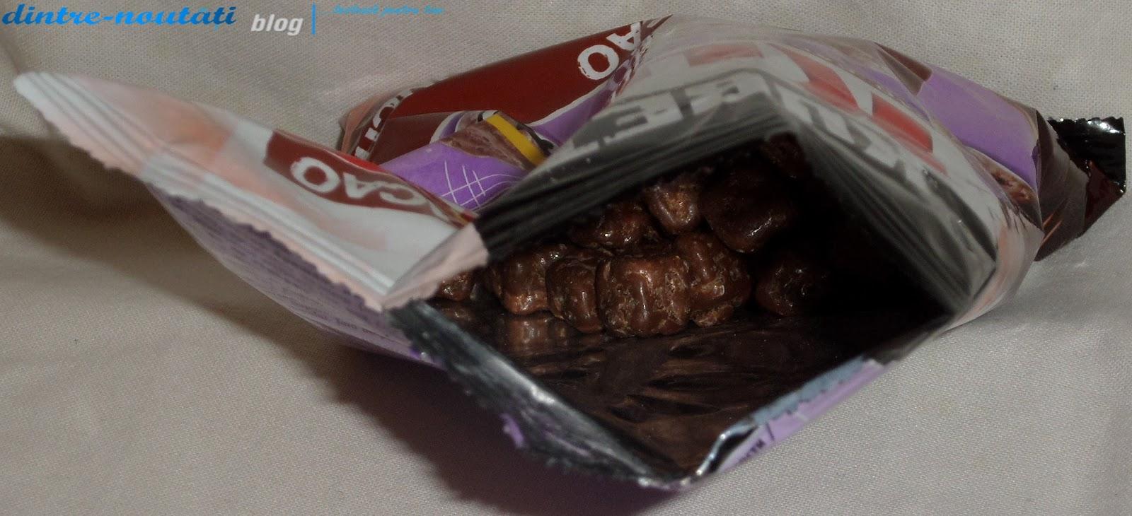 Cuburi din pâine de grâu și secară coapte, cu glazură de cacao