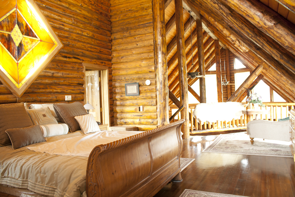 Log home on northfork stately loft master bedroom for Home master