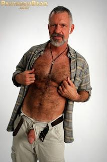 Allen Maduro Barba Branca Pauzudo Bear Mach O