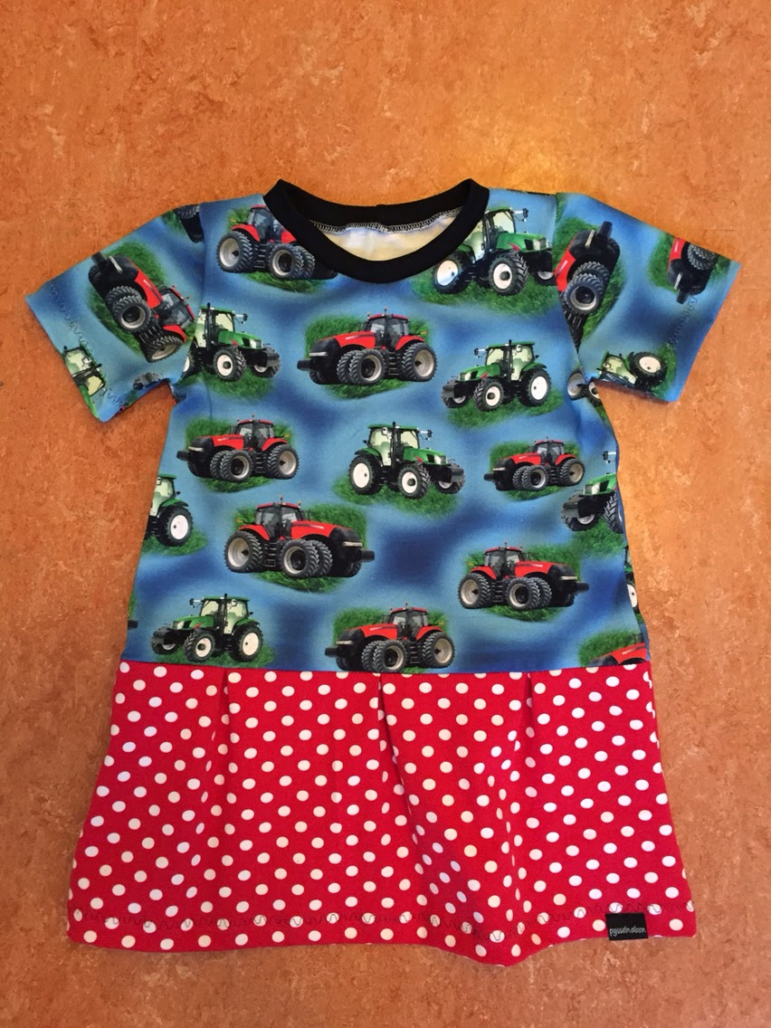 traktor klänning julklapp barn present inspiration klänning tips