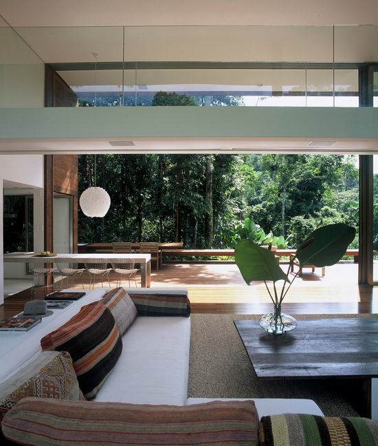 Your lifestyle guide juni 2011 for Tropical minimalist house design