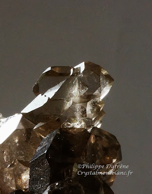 crystal of faden quartz from Mont-Blanc©crystalmontblanc, photo Philippe Dufrêne
