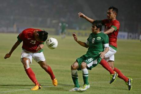 Hasil Skor Indonesia vs Arab Saudi Kualifikasi Piala Asia 2015 (Sabtu, 23 Maret 2013) sepakbola smkn-2-bjm.blogspot.com Hasil Skor Indonesia vs Arab Saudi Kualifikasi Piala Asia 2015 (Sabtu, 23 Maret 2013)