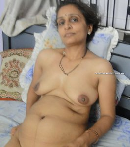 Excited Telugu aunty fucked images have