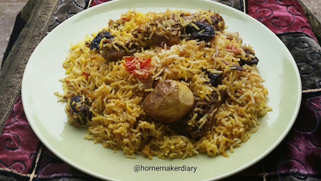 chicken-biryani-Pakistani-food-cuisine-recipe-main-dish-wedding-reception-rice-chicken