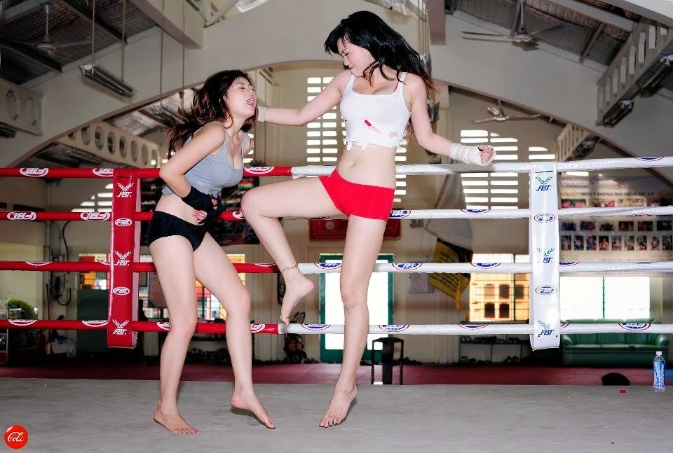 Khi phái đẹp đấu boxing 19