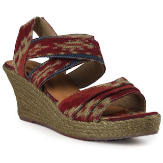 Sandal Batik Motif Tenun Bali Warna Merah