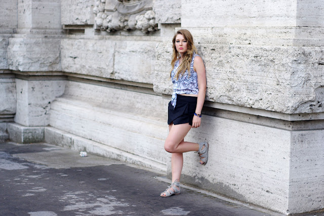 jewelry print top, zara skorts, black, gray primark sandals,