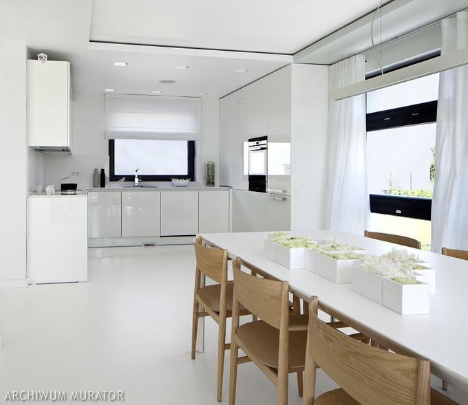 Nowoczesna kuchnia z oknem  Bajkowe Wnętrza # Urządzanie Kuchni Z Jadalnią