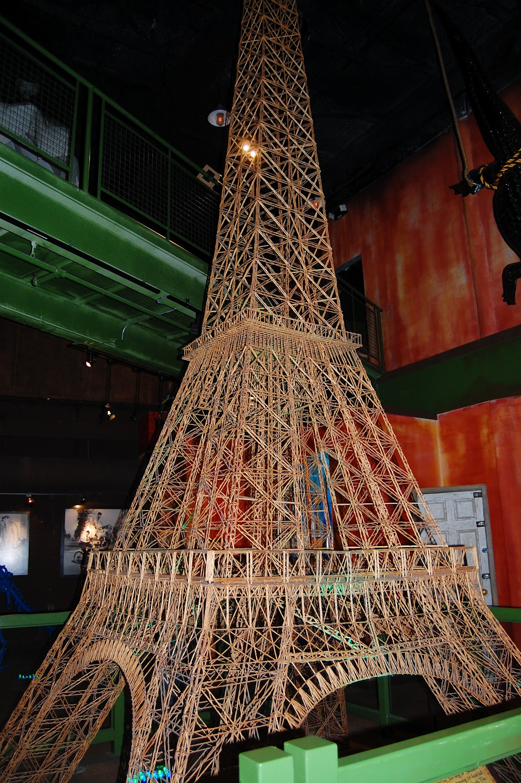 how to make eiffel tower with toothpicks