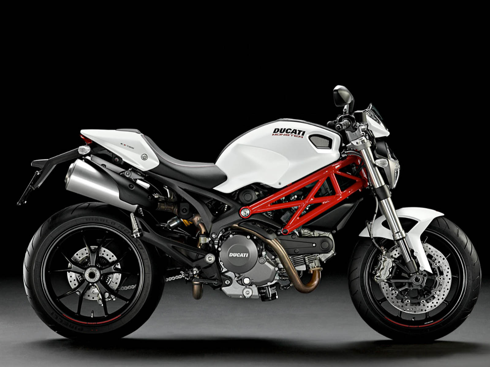 wallpapers: ... Ducati Monster 796