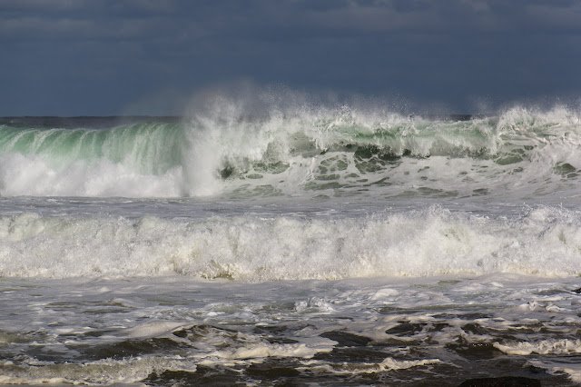 waves breaking off shelly beach