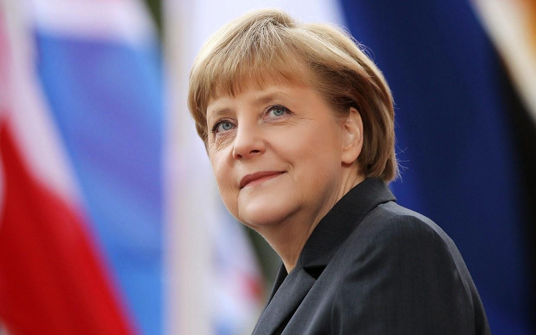 "<img src=""http://4.bp.blogspot.com/-6F6vO3Kbptc/U5c-GOj0I8I/AAAAAAAAAM8/HHiwqO4DWCE/s1600/Angela-Merkel.jpg"" alt=""Most Powerful People in the World"" />"