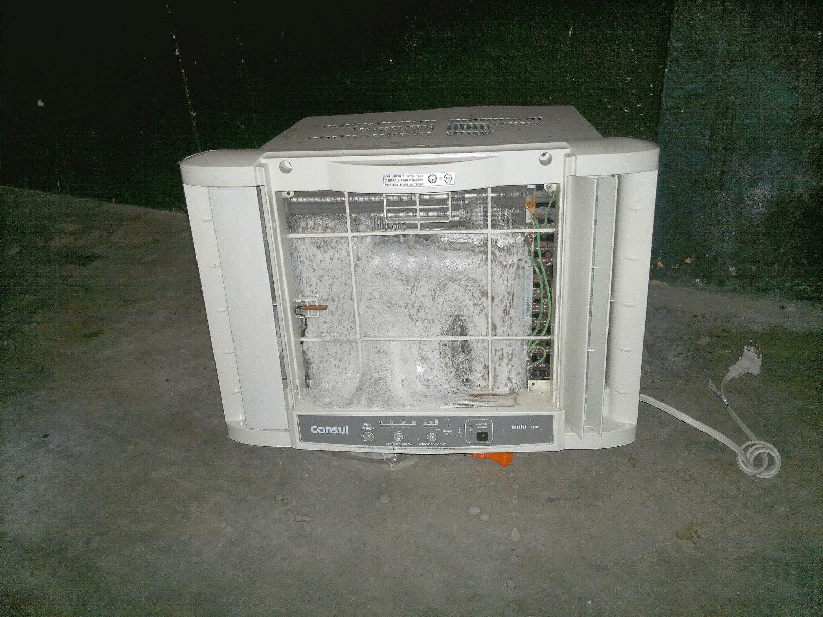 #272F23 Só para demonstrar uma pequena aplicação do detergente sem diluir  1456 Suporte Ar Condicionado Janela Aluminio