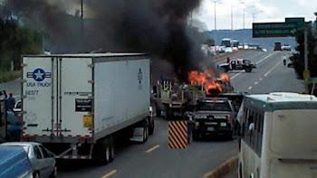 Se registran bloqueos y quema de vehículos en Jalisco