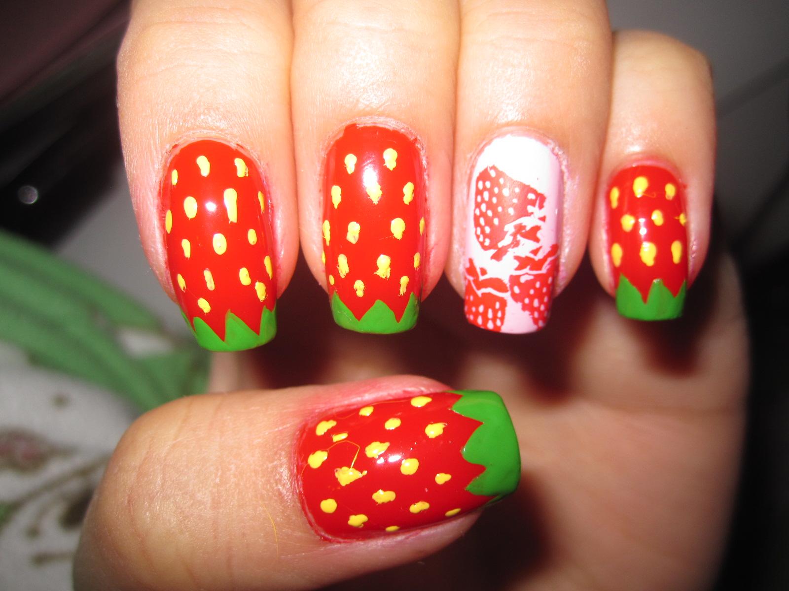 imagenes-de-uñas-decoradas-de-fresa-11.jpg