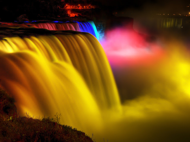 Must visit places niagara falls by night azee