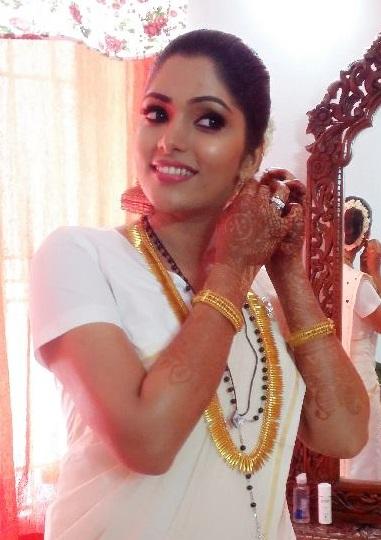 Actress Muktha in Mundu and Chatta