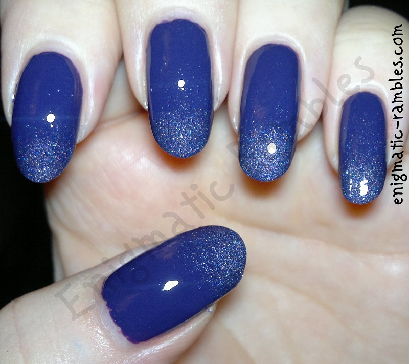 holo-holographic-purple-gradient