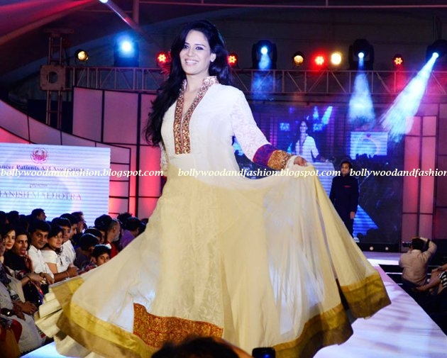 Mona Singh - on the ramp