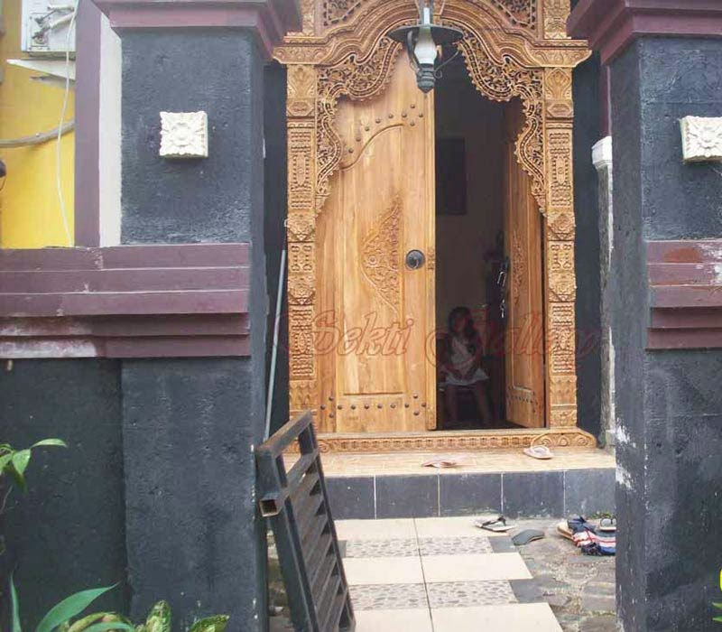 contoh-gambar-kusen-pintu-rumah-gebyok