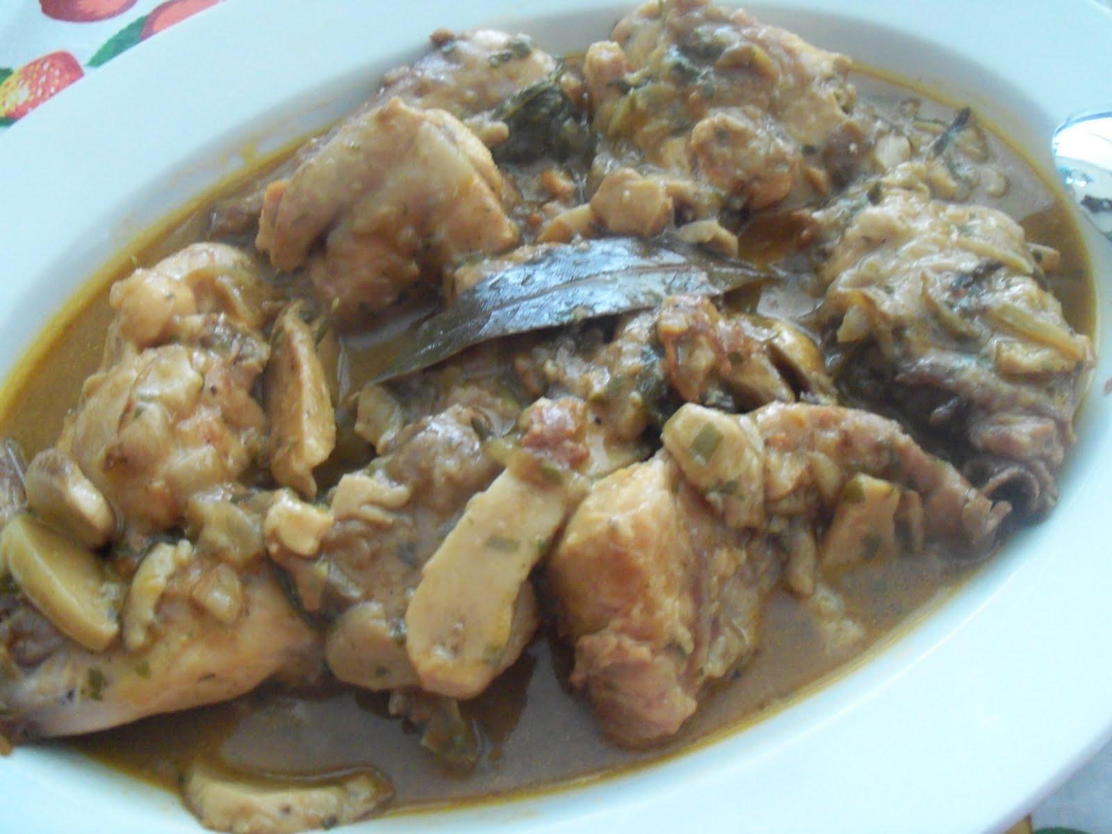 ingredienti per 6 persone un coniglio di circa kg 1500 burro g 80 vino bianco 1 bicchiere brodo 1 tazza funghi porcini surgelati 350 g
