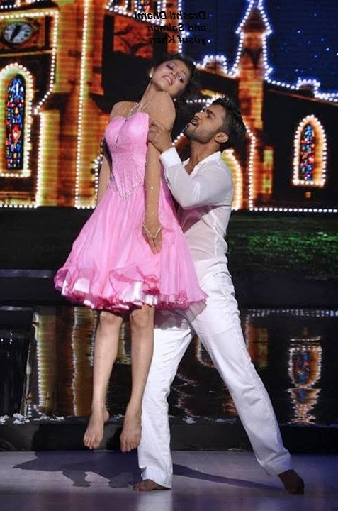 Drashti Dhami sexy and romantic dance with salman in Jhalak