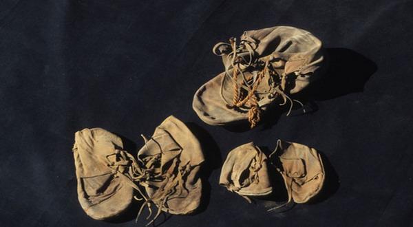 Penemuan Sepatu Paling Tua 2000 Tahun
