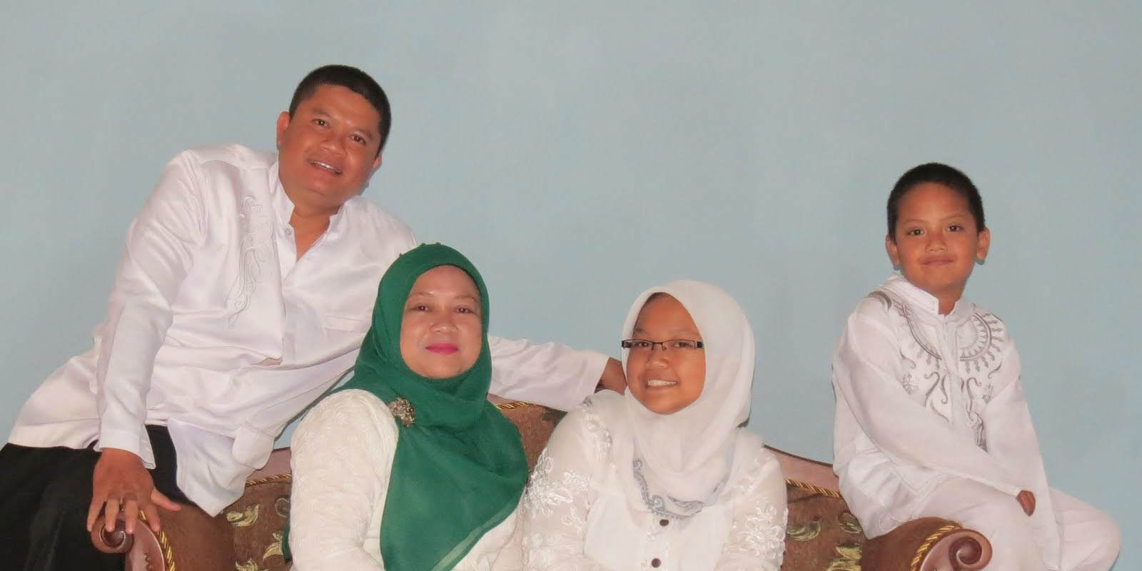 Bersama Keluarag. 2012