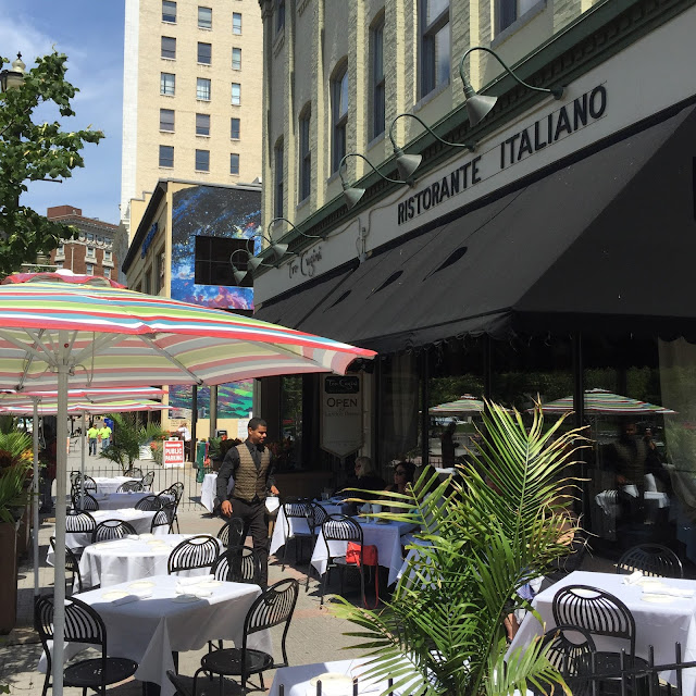 Italian Restaurant, Grand Rapids, Outdoor Dining
