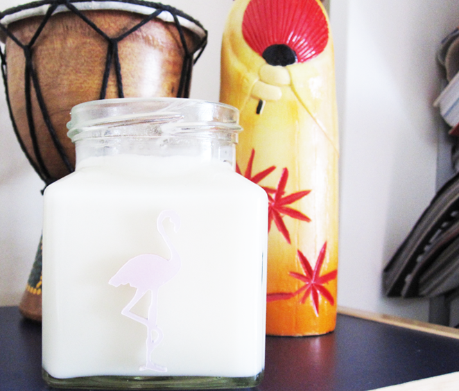 A picture of Flamingo Candle in Macaroon & Almond from the High Tea range