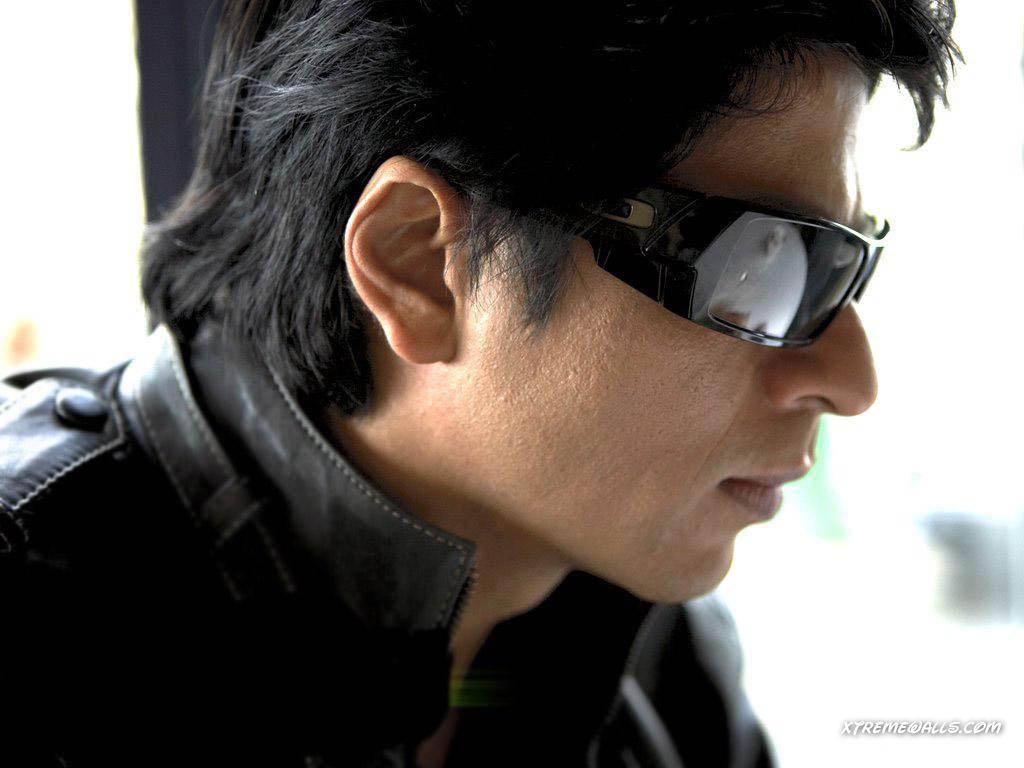 http://4.bp.blogspot.com/-6Go0oRlC9B0/TcfsPJnDutI/AAAAAAAAABc/dCRl-ge8vII/s1600/shahrukh-khan-095-01.jpg