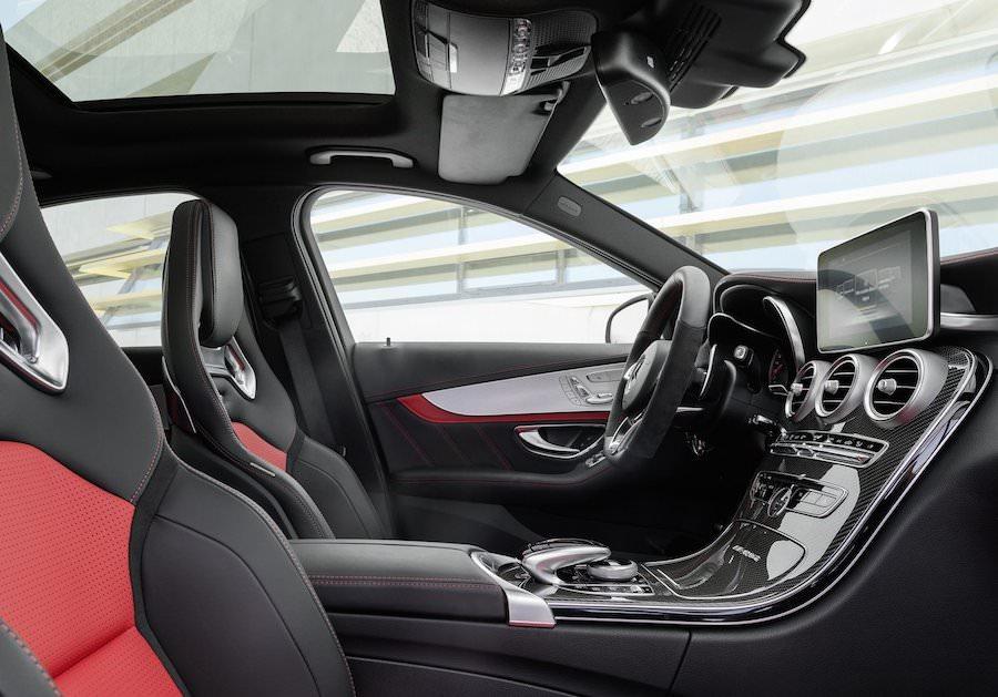 新型「メルセデスベンツC63 AMGセダン」2015