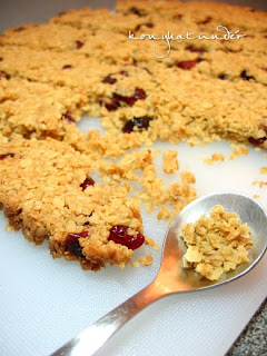 cranberry-flapjack-crumbs