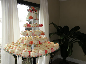 100 mini cakes and anniversary cake
