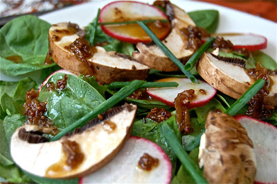 Spinach Salad with Warm Shallot Dressing | www.kettlercuisine.com